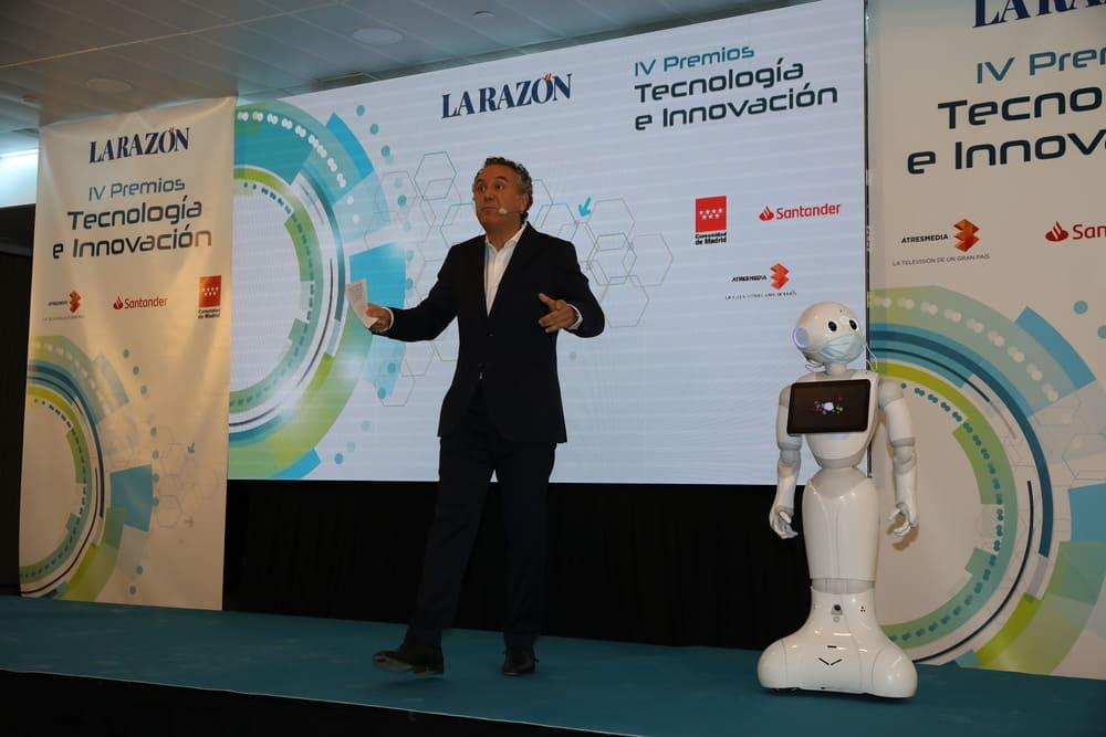 robot pepper premios de tecnología la razón mejor empresa de desarrollo de apps